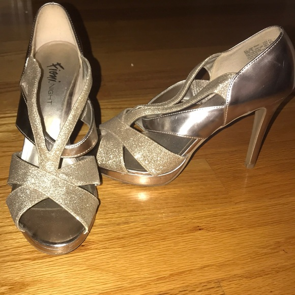 d806cd1cc7 fioni night Shoes | Beautiful Gold Formal Heels | Poshmark